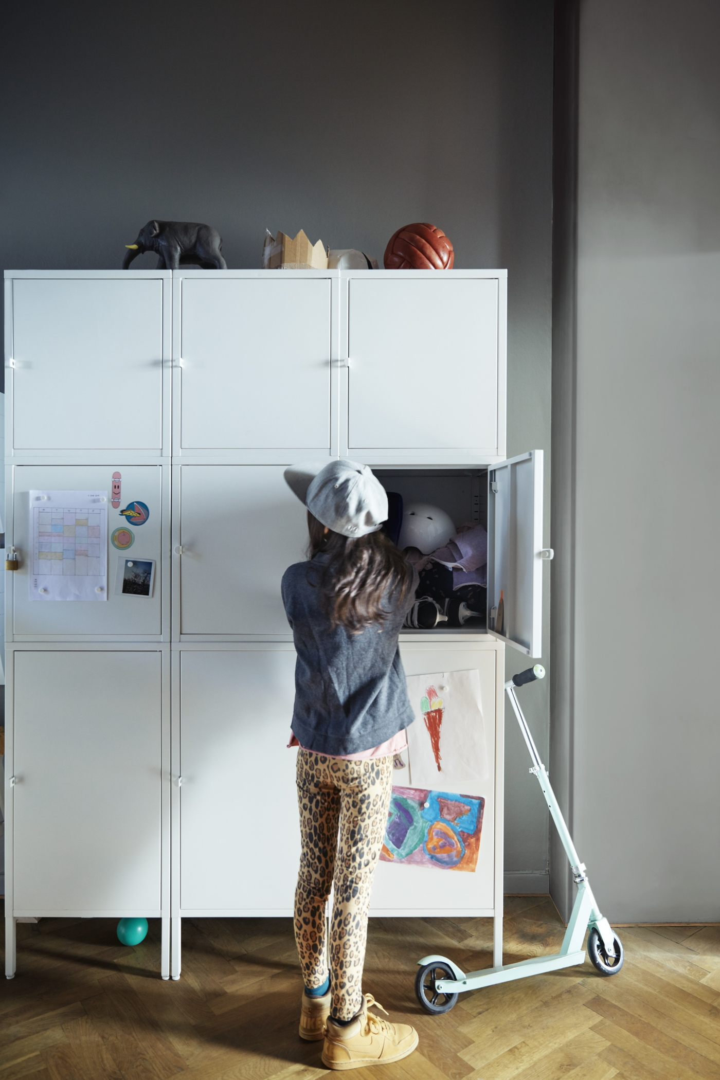 ivot nije katalog ili ipak je pri a o ikeinom katalogu. Black Bedroom Furniture Sets. Home Design Ideas